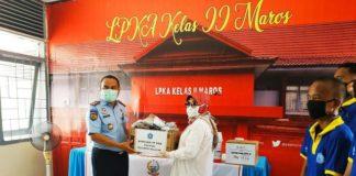 Penyerahan bantuan ke Lapas Klas IIB Maros.